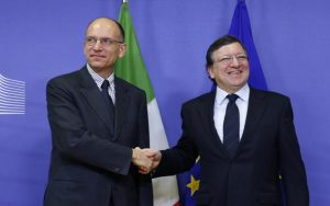 Italy's PM Letta poses with European Commission President Barroso in Brussels
